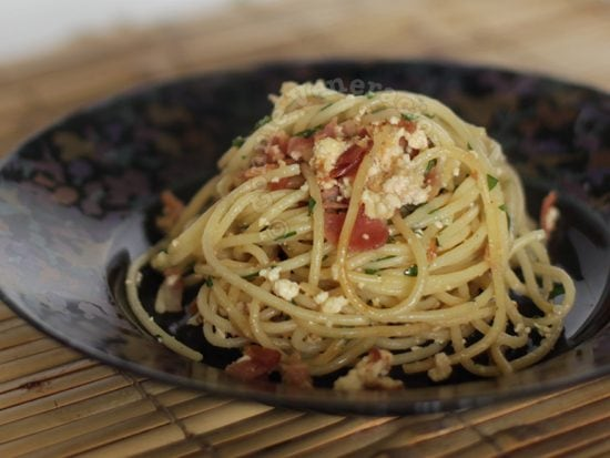 Spaghetti with bacon and ricotta