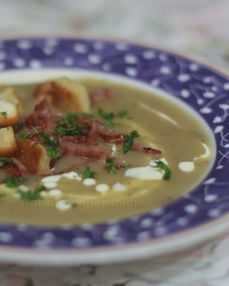 Potato soup with bacon and croutons