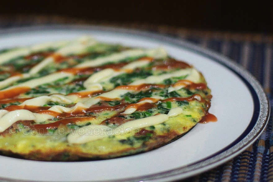 Spinach, Bacon and Cheese Frittata | casaveneracion.com