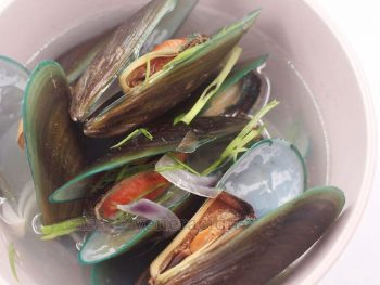 Sometimes called tinolang tahong or sinabawang tahong, gingered mussel soup is the most basic and the most common way of cooking mussels in the Philippines.