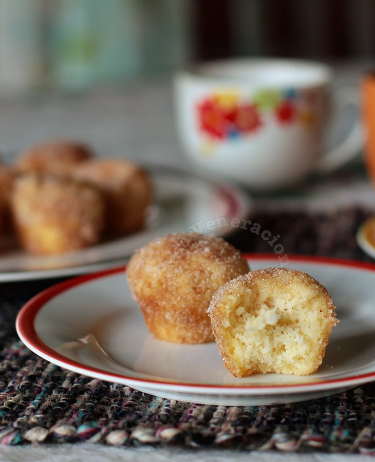 Breakfast sugar and cinnamon (a.k.a. French toast) muffins