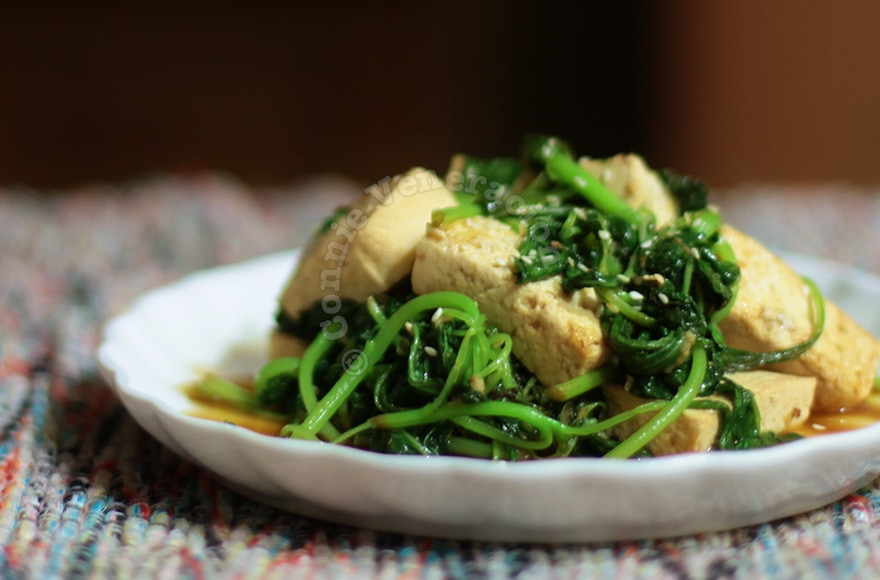 Tofu and spinach with teriyaki sauce | casaveneracion.com