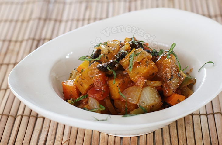 Italian-style vegetable stew | casaveneracion.com