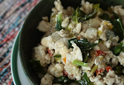 Spicy tofu in coconut cream (Bicol Express-style)