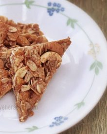 Granola bars with pineapple syrup