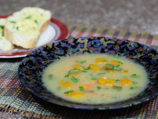 Creamy potato soup with squash, carrots and green beans (and optional meat topping)