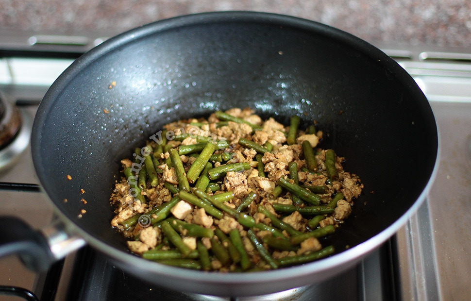 Tofu and string beans adobo | casaveneracion.com