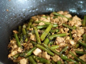 Tofu and string beans adobo