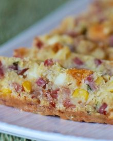 Corn bread with ham and cheese