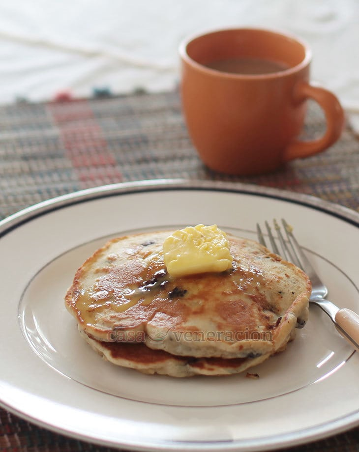 If adding fresh fruits to pancake batter is good, adding spices to the fruits before stirring into the batter is even better. Take these pancakes, for instance. They smelled and tasted like apple pie. The trick? A little cinnamon and nutmeg. The blueberries are a bonus.