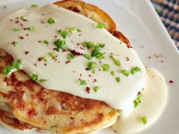 Bacon and pepper pancakes with cheese sauce