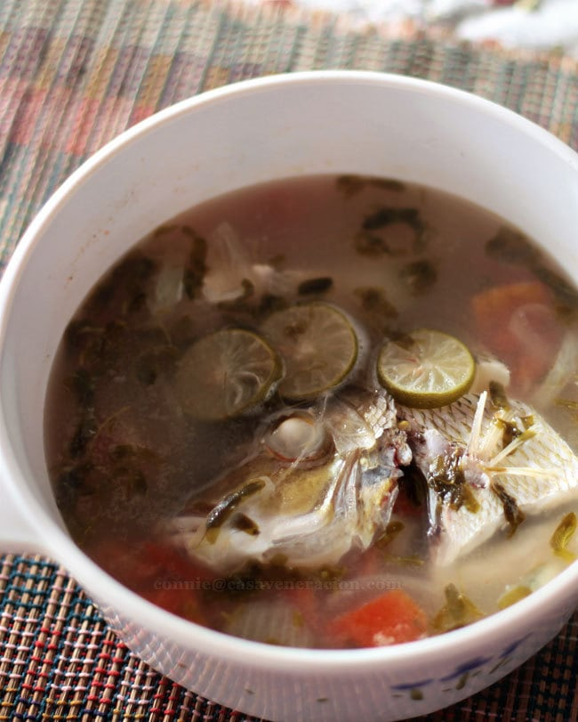 Fish soup with tamarind leaves and lime   casaveneracion.com