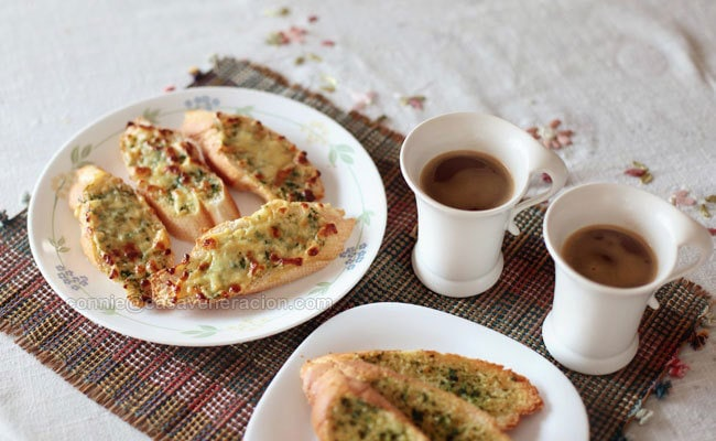 casaveneracion.com Herb-garlic butter and cheese breakfast toast