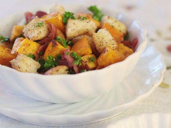 Sweet potatoes and bacon salad with lime and honey dressing
