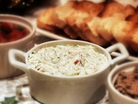 Make this spicy cream cheese dip (or spread) for the holidays