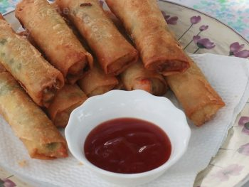 Fried Mushrooms and Vegetables Spring Rolls