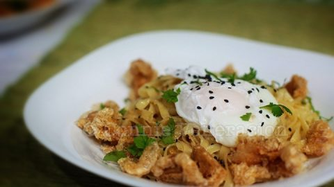 Chicharrónes (Pork Cracklings) and Egg Mazemen