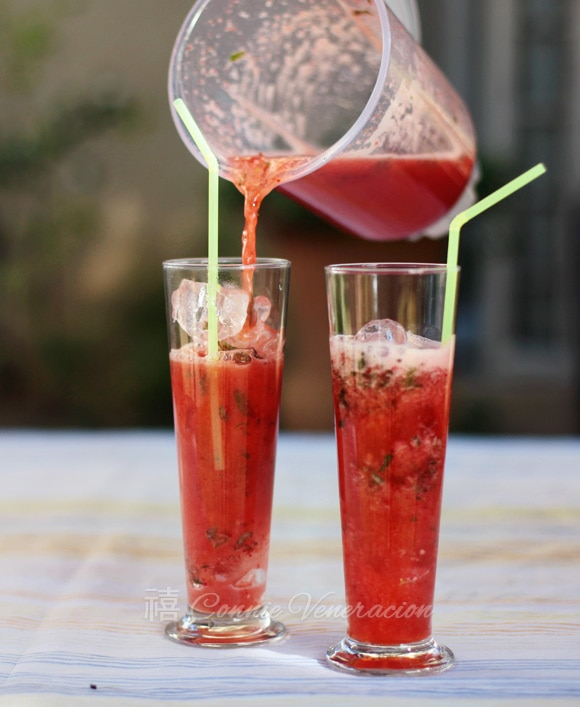 casaveneracion.com strawberry lemonade with kaffir lime syrup