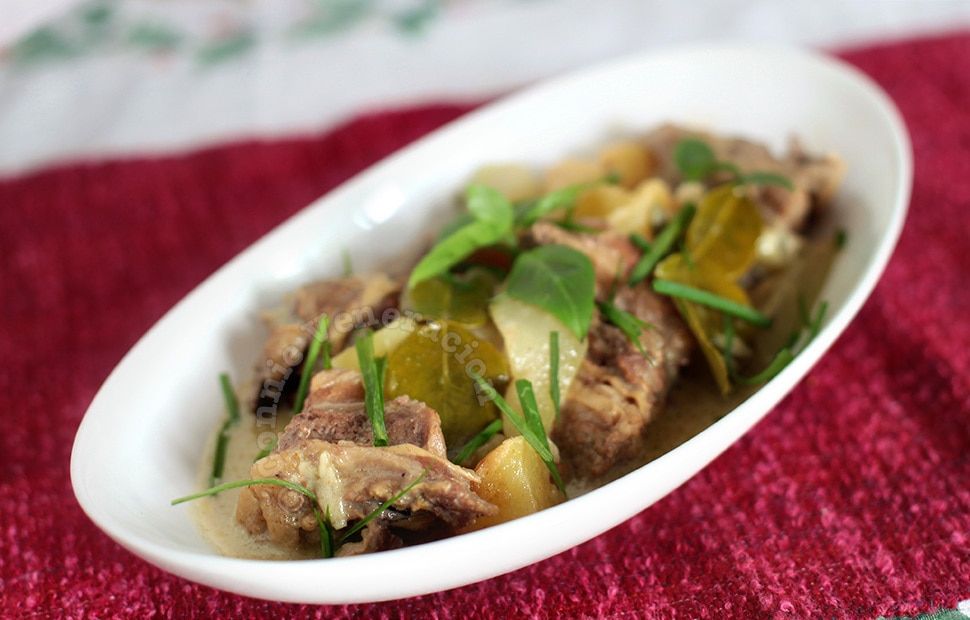 Beef with coconut milk and green curry   casaveneracion.com