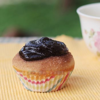 Churros-inspired cupcakes with chocolate fudge frosting