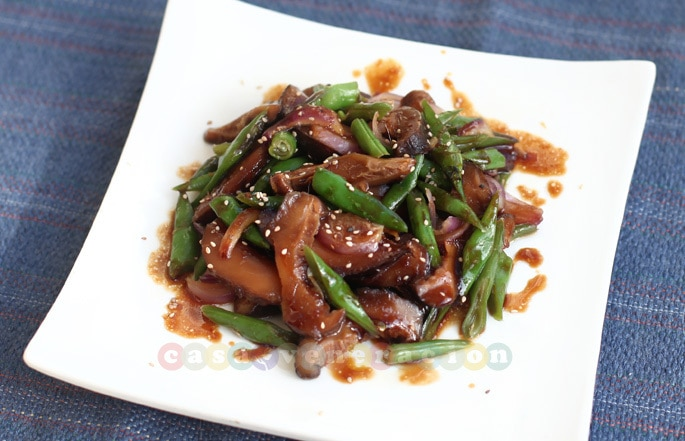 Shiitake mushrooms and green beans with teriyaki sauce | casaveneracion.com