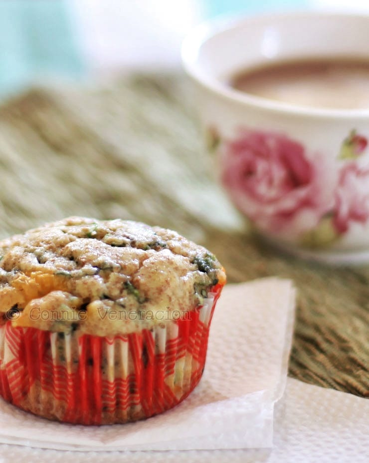 Spinach, scallions, cheddar and pepper Jack breakfast muffins
