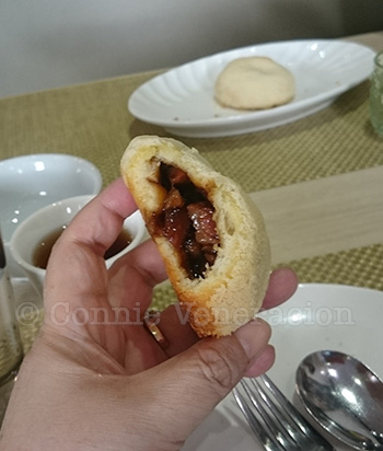 Baked buns with pork filling at Boon Tong Kee, U.P. Town Center