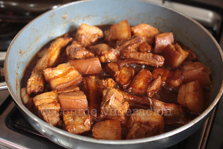 Pork estufado (estofado): partially cooked