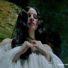 "Buying a bride with a ring in ""Crimson Peak"""