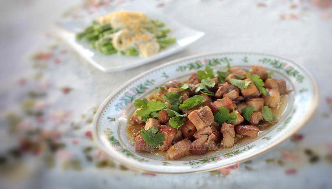 Sweet and tangy pork with chilies | casaveneracion.com