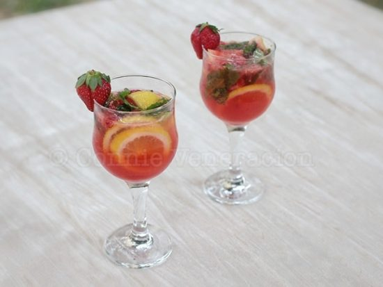 Something like mojito but with strawberries in it