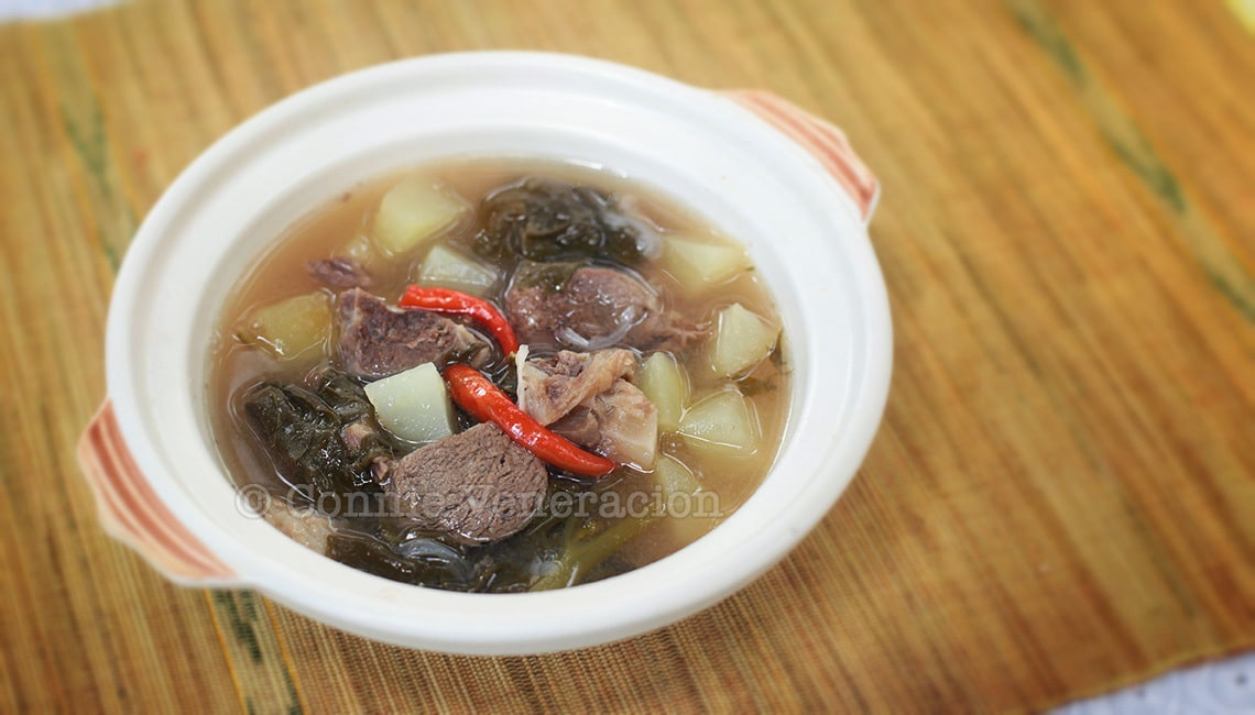 Beef and green papaya with sweet-sour tamarind soup | casaveneracion.com