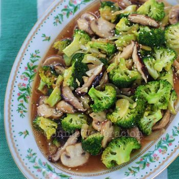Stir fried mushrooms and broccoli. It's vegan.