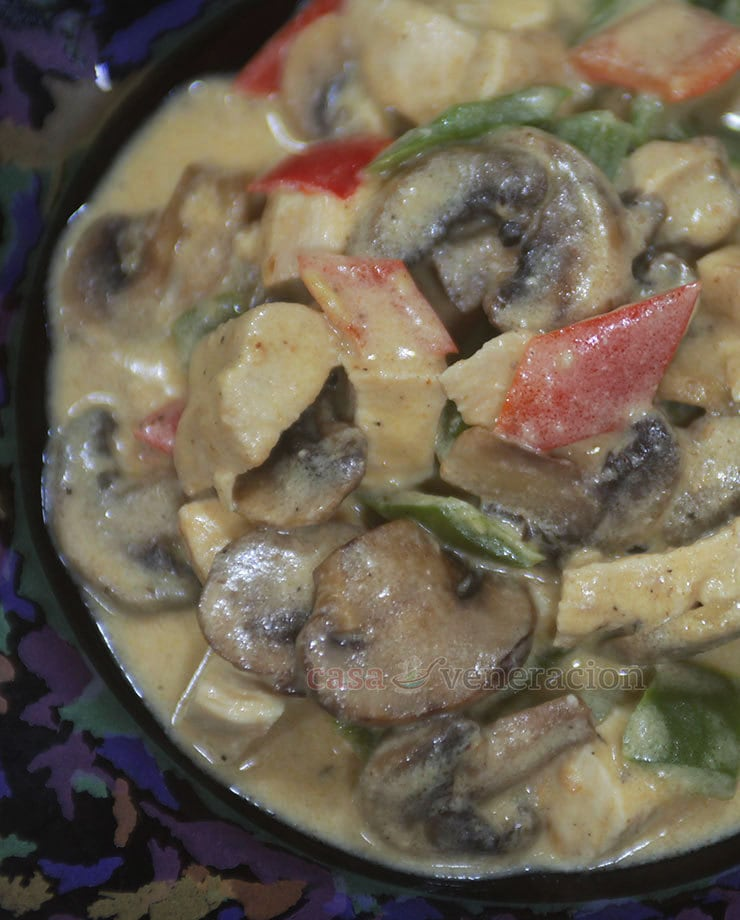 Made with chunks of deboned chicken, mushrooms and bell peppers swimming in a buttery and creamy sauce, chicken a la king is my husband's favorite dish.
