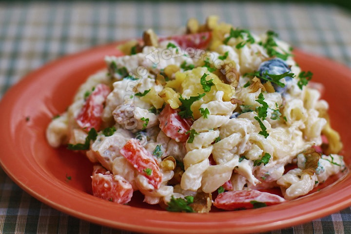 Cheesy Chicken Pasta Salad With Olives and Peppers