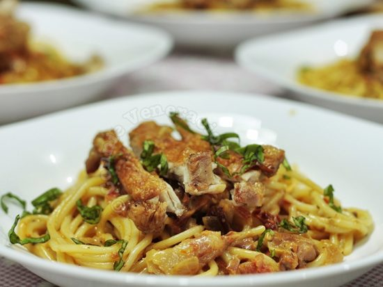 Fried Chicken Spaghetti With Tomato Cream Sauce