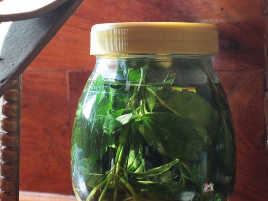 Homemade scented oils for the diffuser