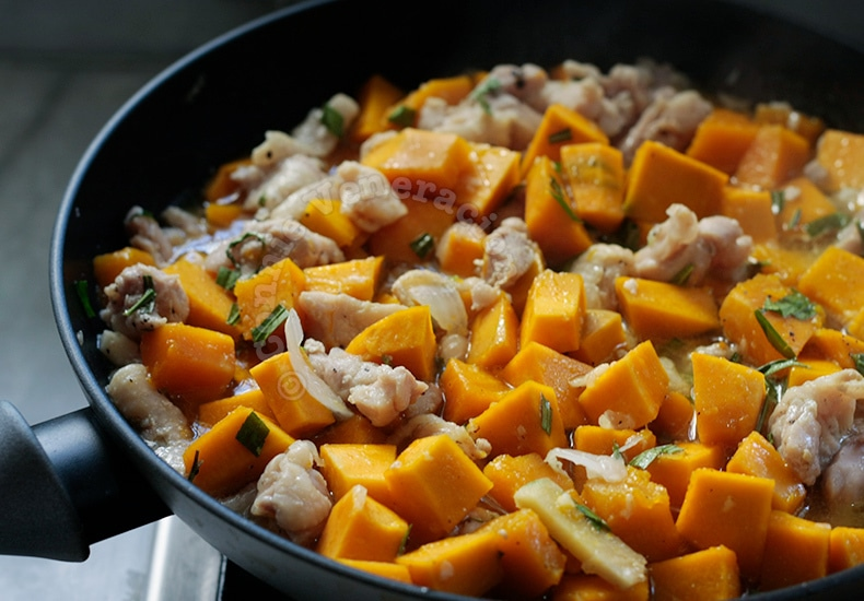 Sauteed Tarragon Chicken With Squash | casaveneracion.com