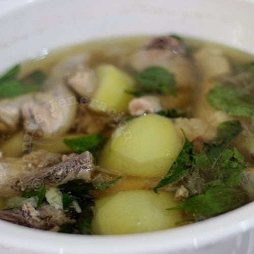 Gingered Chicken and Green Papaya Soup (Tinolang Manok)