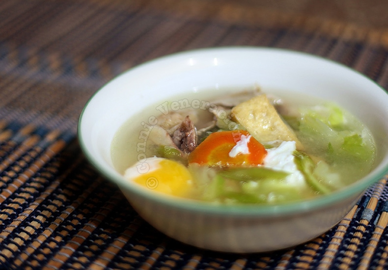 Free Range Chickens Make the Tastiest Broth | casaveneracion.com