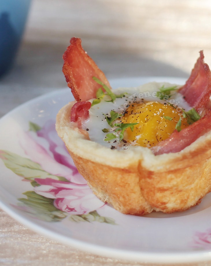 Bacon and Egg Bread Cups