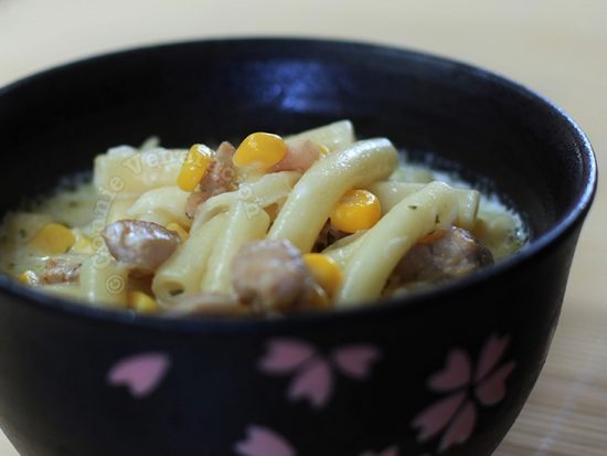 Creamy Chicken, Corn and Macaroni Soup