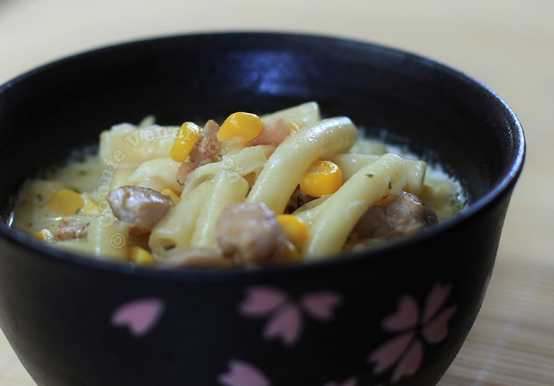 Creamy Chicken, Corn and Macaroni Soup | casaveneracion.com