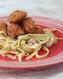 Herbed Chicken Nuggets and Bacon Pasta