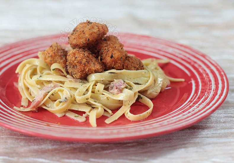 Herbed Chicken Nuggets and Bacon Pasta | casaveneracion.com