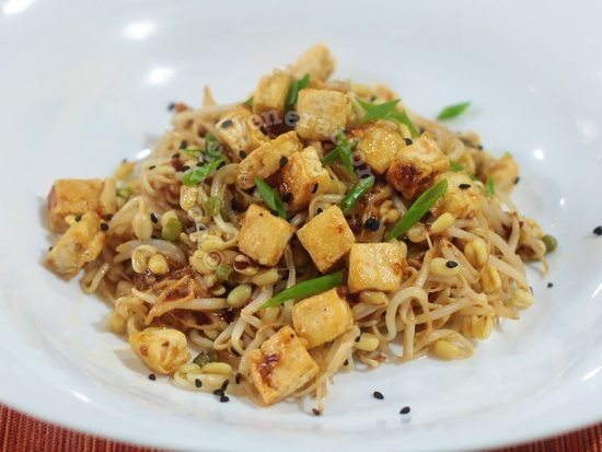 Bean Sprouts and Tofu Salad With Bang Bang Sauce