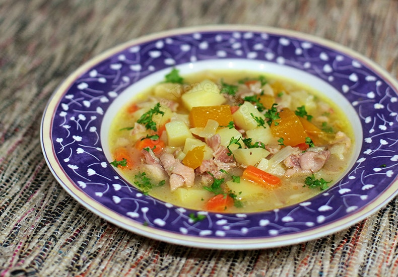 Chicken and Vegetable Chowder | casaveneracion.com