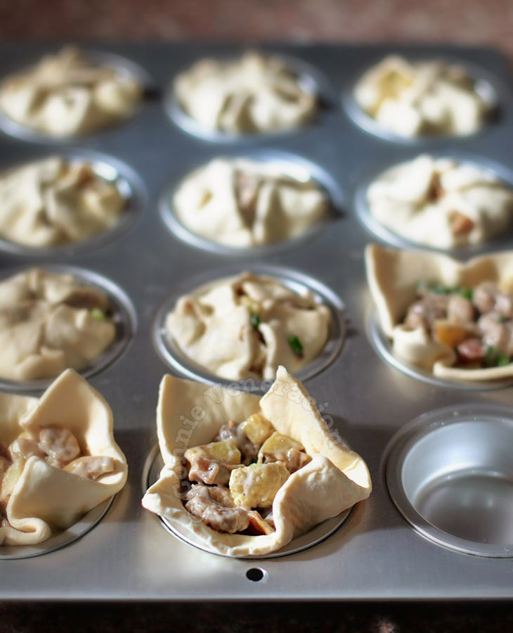 How To Make Chicken and Mushroom Puff Pies