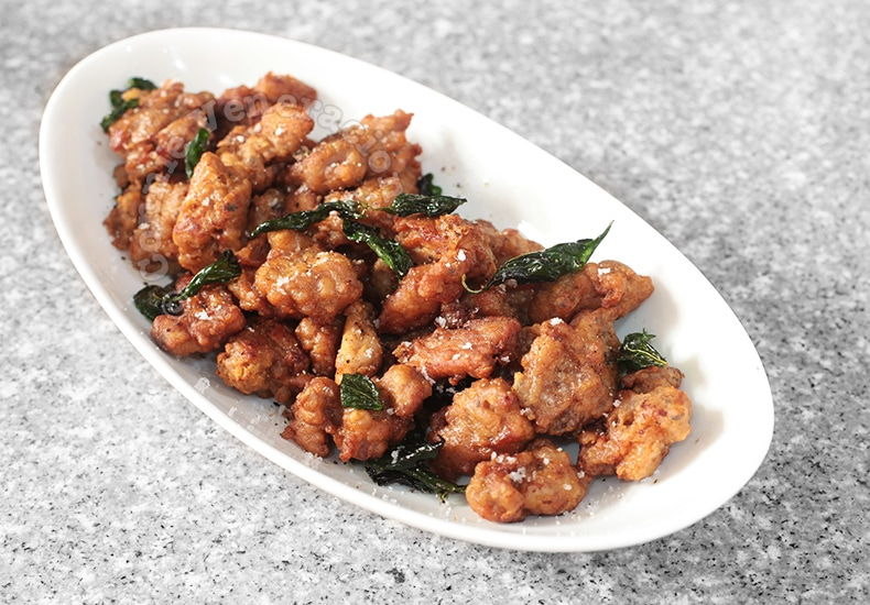 Salt and Pepper Chicken | casaveneracion.com