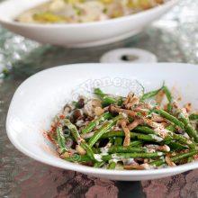 Steam-fried Mushrooms and Green Beans